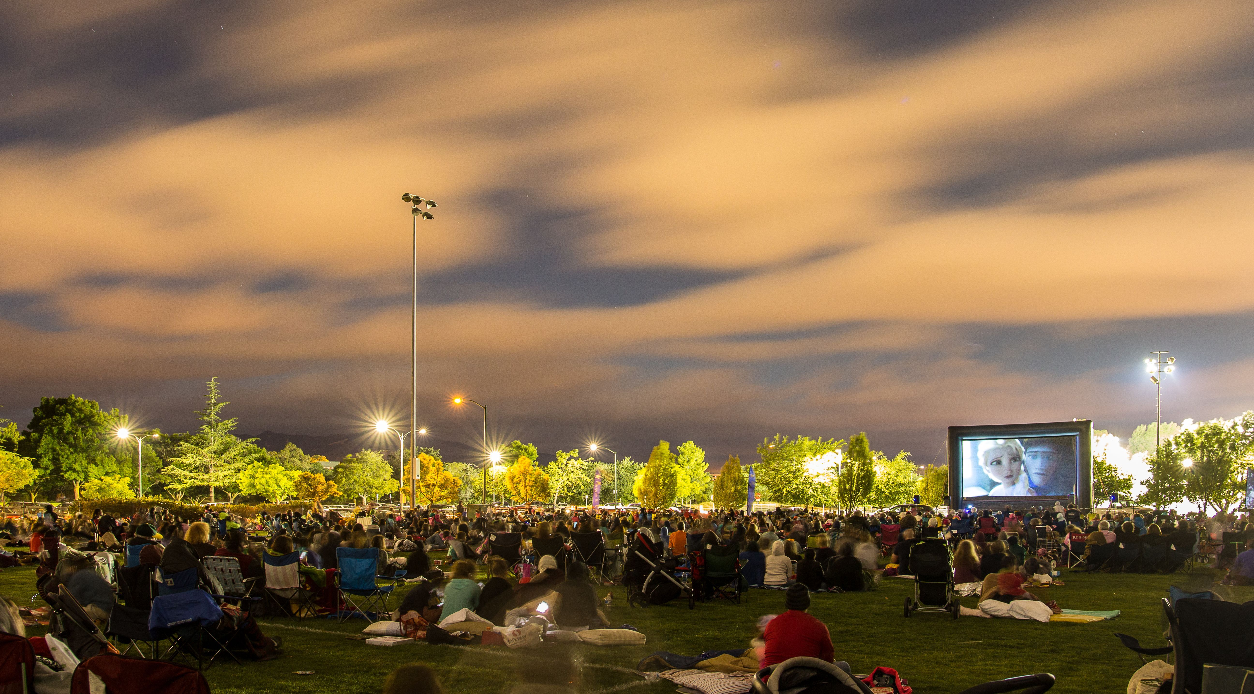 Carlsbad movie projection rentals for outdoor film screenings by FunFlicks, CA